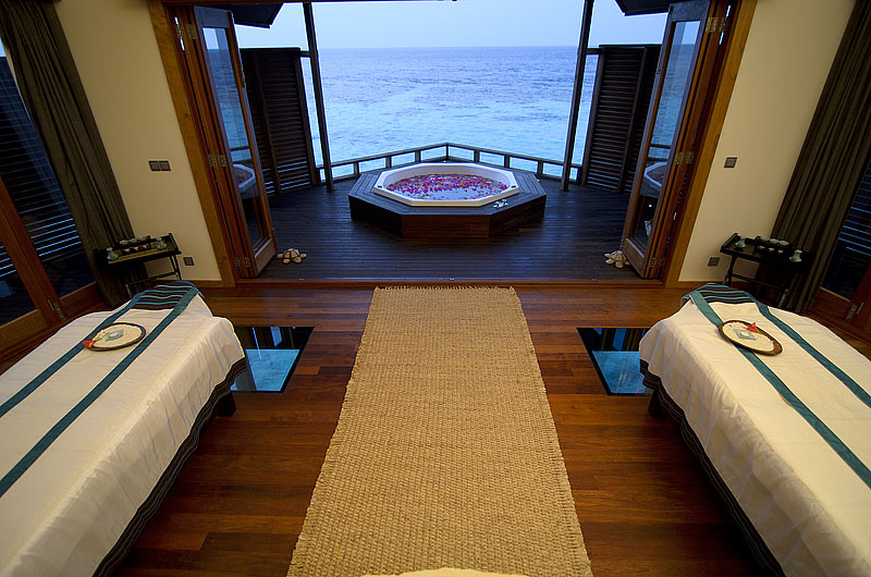 Hotel lily beach resort spa malediven hotel huvahendhoo island maldives 5 star hotel
